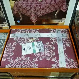 Скатерть прямоугольная тефлоновая Maison Royale Sare бордо 160х220
