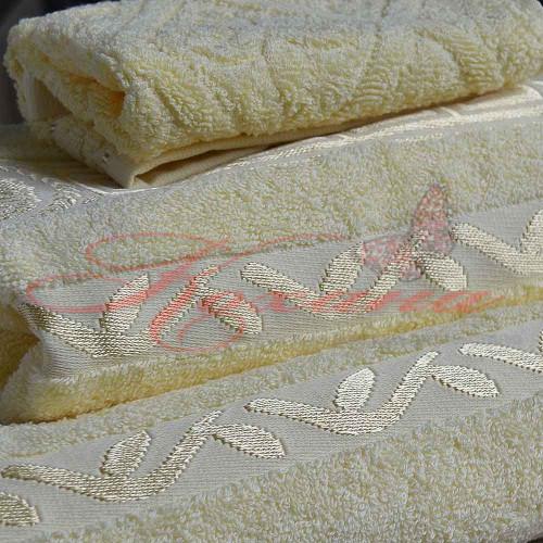 Полотенце махровое жаккардовое Цезарь желтое